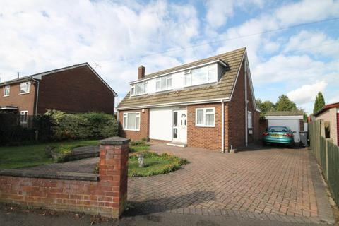 3 bedroom chalet for sale - Harvest Road, Feltham, TW13