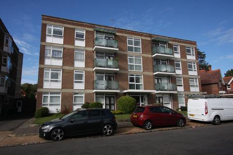 3 bedroom apartment - Priory Court, Granville Road, Eastbourne BN20