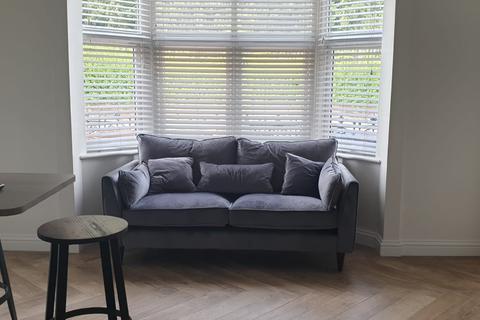 1 bedroom flat - Flat 1 143 Monks Road, Lincoln, LN2 5JJ