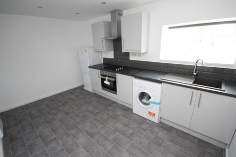 2 bedroom apartment to rent - Flat B Cape Hill, Smethwick, West Midlands, B66