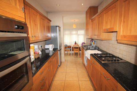 House share to rent - Ridge Avenue, Winchmore Hill, N21