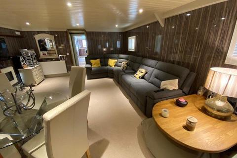2 bedroom houseboat for sale - Puggles, Priors Boartyard