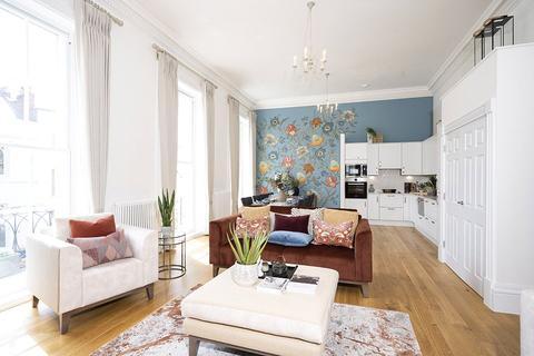 2 bedroom flat for sale - John Dower House, Crescent Place, Cheltenham, Gloucestershire, GL50