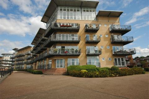 2 bedroom flat to rent - Lightermans Way, Greenhithe, Kent