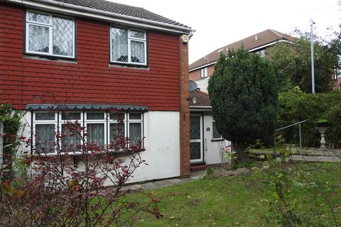 3 bedroom semi-detached house - Hillcrest Drive, Greenhithe