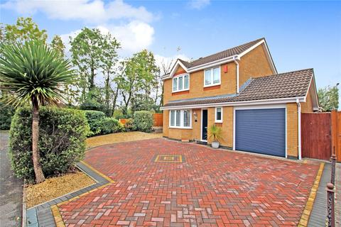 3 bedroom detached house for sale - Loveridge Close, Upper Stratton, Swindon, Wiltshire, SN2