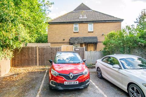 2 bedroom terraced house for sale - Manordene Road, North Thamesmead