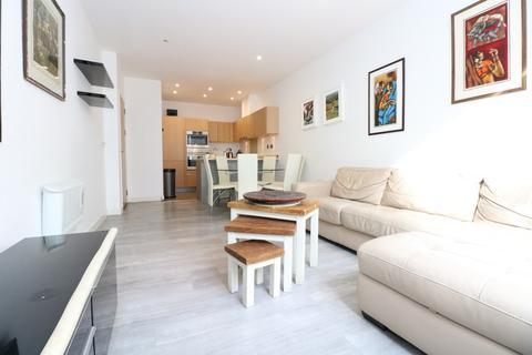 2 bedroom apartment to rent - Bromyard Avenue, London