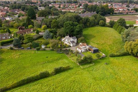 3 bedroom detached house for sale - Manor House, Littlethorpe Lane, Ripon, North Yorkshire, HG4