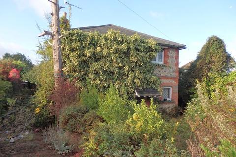 3 bedroom detached house for sale - Marlpit Lane, Coulsdon