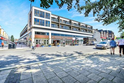 2 bedroom apartment for sale - Flixton Road, Urmston, Manchester, M41