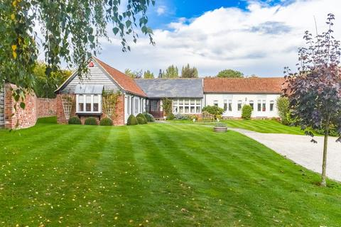 4 bedroom barn conversion for sale - Manor Barns, Brook Street, Little Dunmow, Dunmow