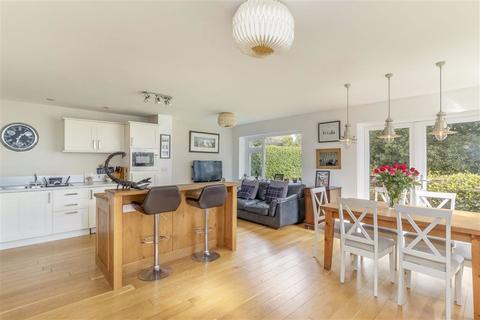 4 bedroom semi-detached house - Plantation Close, Harrogate, North Yorkshire