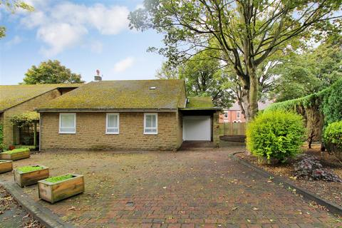 3 bedroom detached bungalow to rent - Woodland Close, Earsdon, Whitley Bay