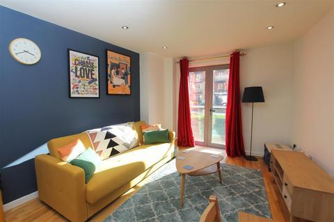 1 bedroom flat to rent - Santorini, City Island