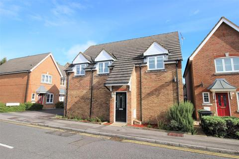 2 bedroom detached house for sale - Headlands Grove, Stratton, Swindon, SN2