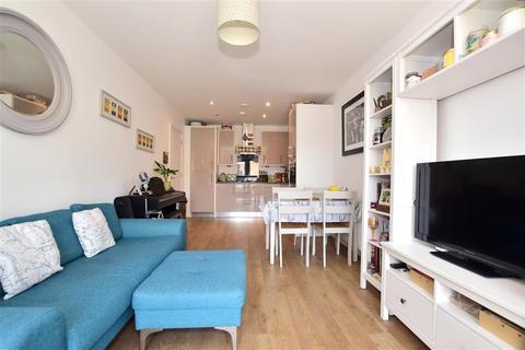 2 bedroom apartment for sale - Sovereign Way, Tonbridge, Kent