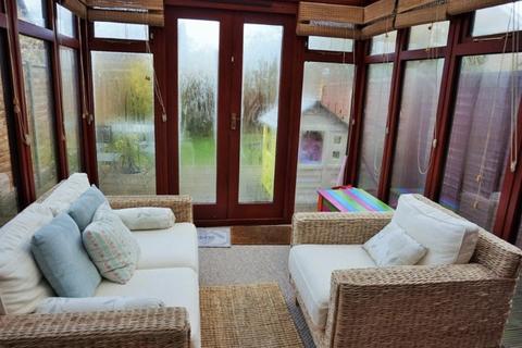 3 bedroom terraced house to rent - Setley Way, Bracknell, RG12