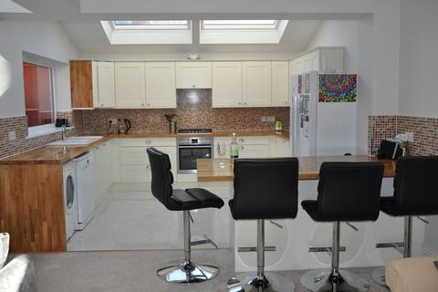 8 bedroom terraced house to rent - Mayfair Road, Jesmond, NEWCASTLE UPON TYNE NE2