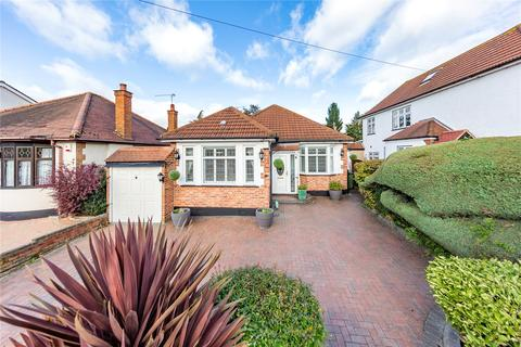 3 bedroom bungalow for sale - Foxhall Road, Upminster, RM14