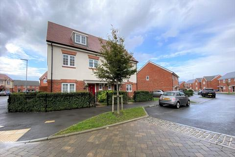 4 bedroom semi-detached house for sale - Hyton Drive, Deal, CT14