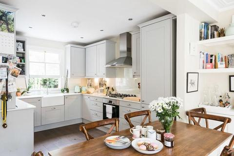 3 bedroom flat for sale - Simpson Street, Battersea, London, SW11