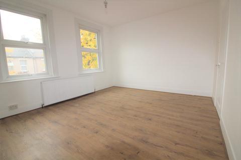 3 bedroom terraced house to rent - Northfield Road, Enfield, EN3