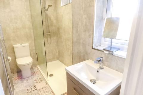 2 bedroom ground floor flat - Braeside Terrace, Whitley Bay, Tyne and Wear, NE26 2EF