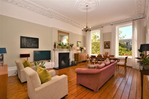 2 bedroom flat for sale - Ruskin Terrace, Flat 1, Botanics, Glasgow, G12 8DY