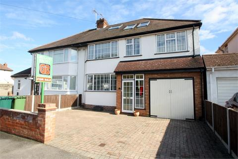 4 bedroom semi-detached house for sale - Beechwood Avenue, STAINES-UPON-THAMES, Surrey