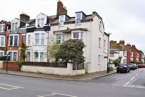1 bedroom flat for sale - Chiswick Lane, Chiswick