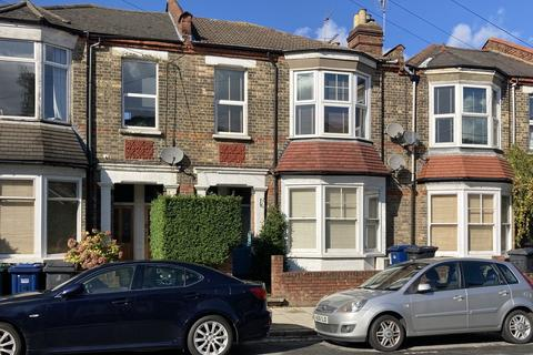 2 bedroom maisonette for sale - Kitchener Road, London N2