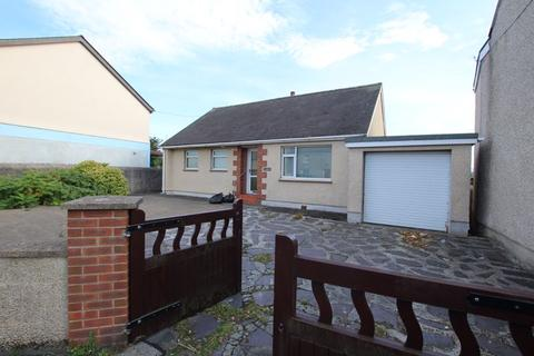 2 bedroom detached bungalow for sale - Brynsiencyn, Anglesey