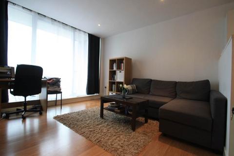 1 bedroom flat to rent - Latitude Court, Royal Docks, London