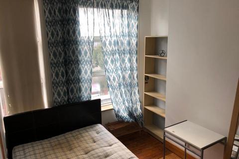 4 bedroom flat share to rent - Stoke Newington Church Street, Stoke Newington , Hackney, London N16