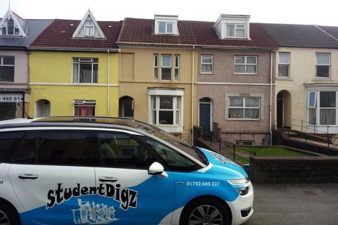 3 bedroom flat - King Edward Road, Brynmill, Swansea