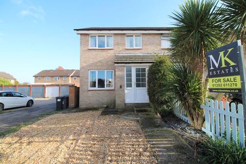3 bedroom semi-detached house for sale - Damerham Road, Castledene