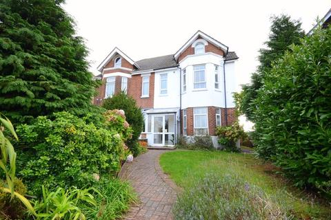 1 bedroom in a house share to rent - Wimborne Road, Poole