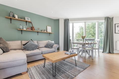 2 bedroom flat for sale - 25 Alvey Street Walworth SE17