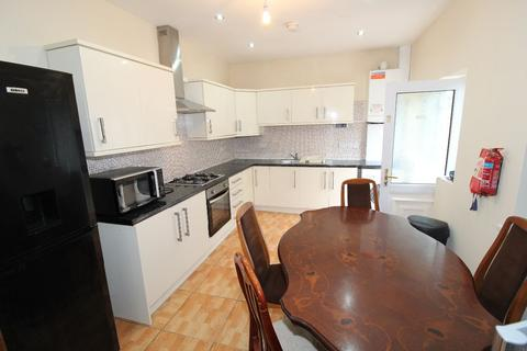 5 bedroom detached house to rent - Watling Street Road, PRESTON, Lancashire PR2 8BQ