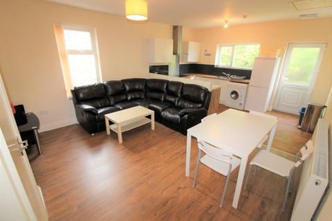 3 bedroom apartment to rent - Brackenbury Road, PRESTON, Lancashire PR1 7UP