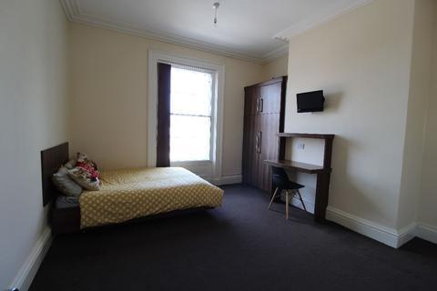 3 bedroom apartment to rent - Fishergate Hill Middle Floor, PRESTON, Lancashire PR1 8JD