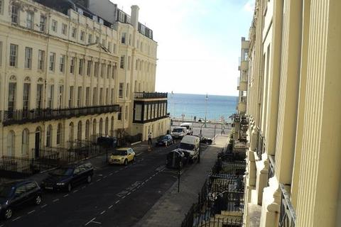 1 bedroom flat to rent - Oriental Place, Brighton