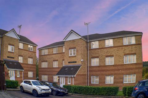 2 bedroom flat for sale - Princes Gate, High Wycombe