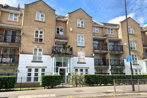 2 bedroom apartment to rent - Highfield Road, Feltham, TW13