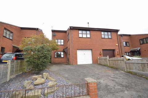 4 bedroom semi-detached house for sale - Thornton Avenue, Macclesfield