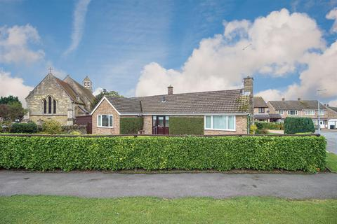 2 bedroom detached bungalow for sale - Church Close, Hartwell, Northampton