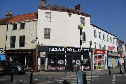 Property to rent - 30A Market Place, Retford, Nottinghamshire, DN22 6DW