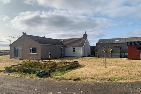 2 bedroom bungalow for sale - Little Croft, Scarfskerry KW14 8XN