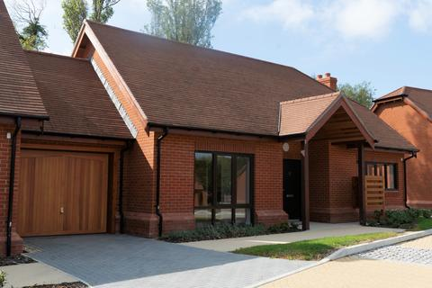 2 bedroom retirement property for sale - Plot 18, (Fennel Bungalow) at Friary Meadow, Titchfield, Fareham PO15